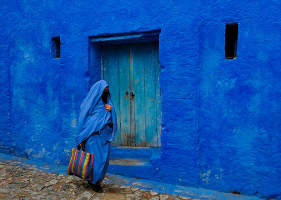 blue-streets-of-chefchaouen-morocco-17-660x471