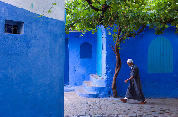 blue-streets-of-chefchaouen-morocco-2-660x435