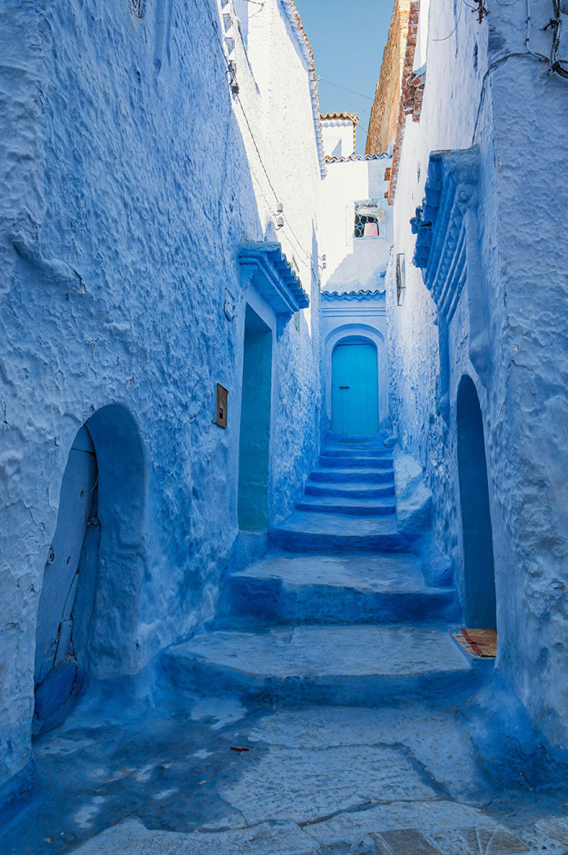 blue-streets-of-chefchaouen-morocco-5-660x993