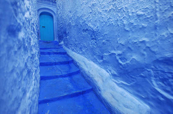 blue-streets-of-chefchaouen-morocco-6-660x436