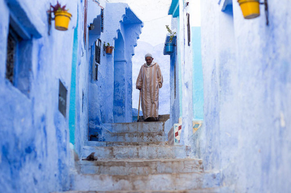 blue-streets-of-chefchaouen-morocco-7-660x438