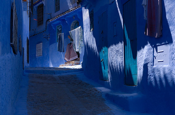 blue-streets-of-chefchaouen-morocco-9-660x435