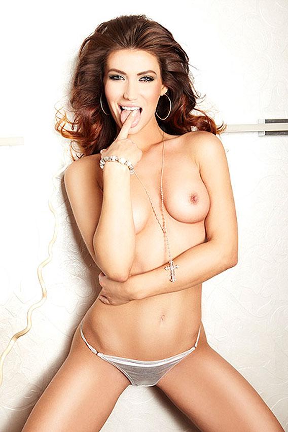 Karolina-nude-3-568