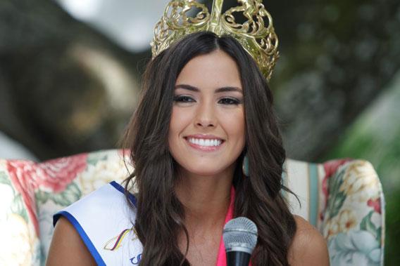 Paulina-Vega568