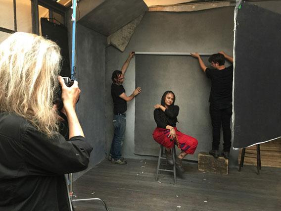 ava-duvernay-behind-the-scenes-annie-leibovitz-pirelli-calendar-photo-shoot-2016-568
