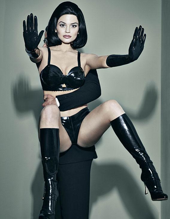 2-Kylie-Jenner
