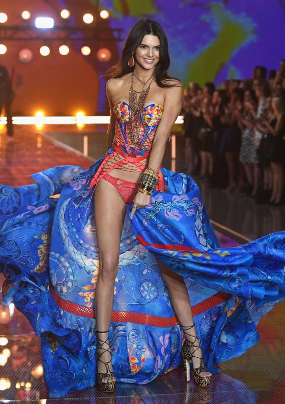 victorias-secret-fashion-show-2015-kendall-jenner-w724