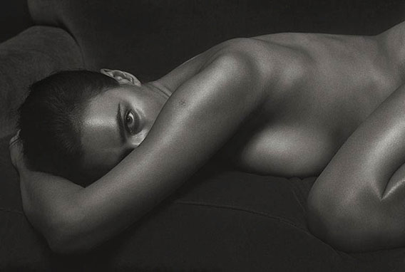 irina-shayk-poses-nude-for-gq-italia-september-cover-story-the-dapifer-4